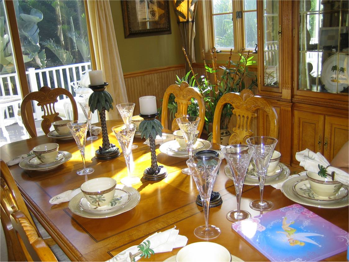 pretty dining room table